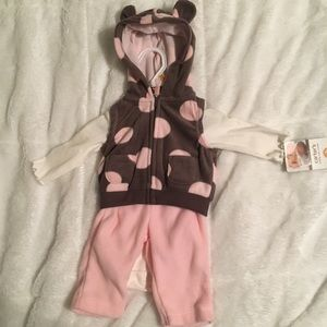 Carter's Newborn 3 piece outfit